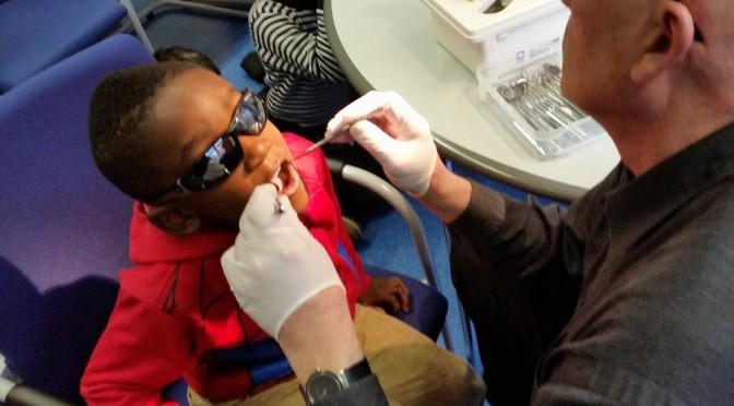 Mund auf – der Zahnarzt ist da