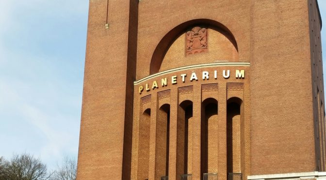 2b im Planetarium Hamburg