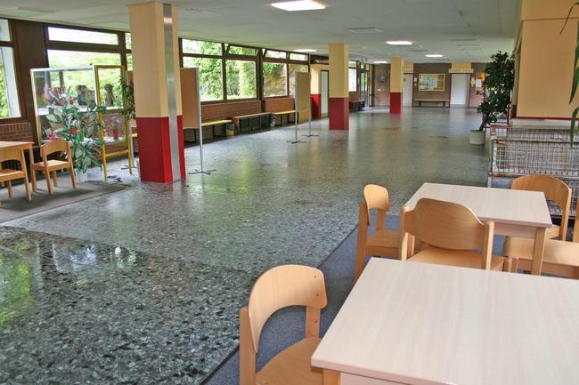 Die Pausenhalle vorher