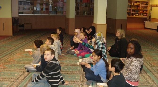 Klasse 4a besucht die Sultan-Ahmet-Moschee in Billstedt