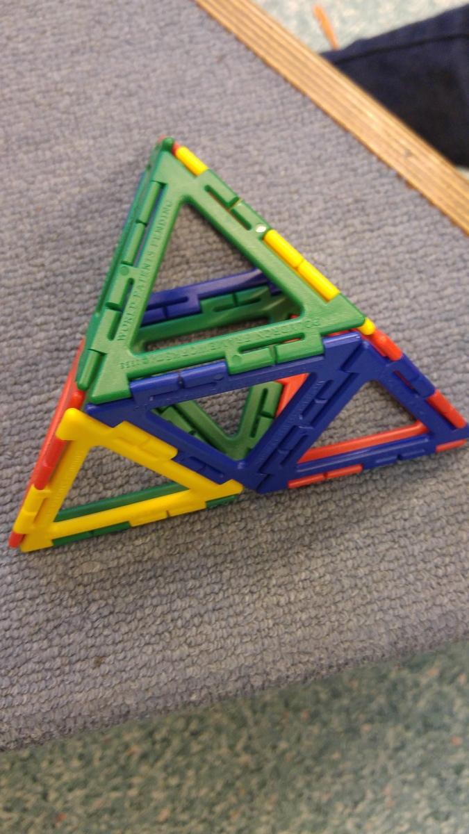 ein dreieck ein viereck ein f nfeck was nun geometrieunterricht in der 1b schule an. Black Bedroom Furniture Sets. Home Design Ideas