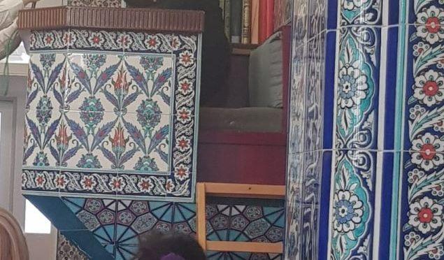 Die 4. Klassen besuchen die Moschee