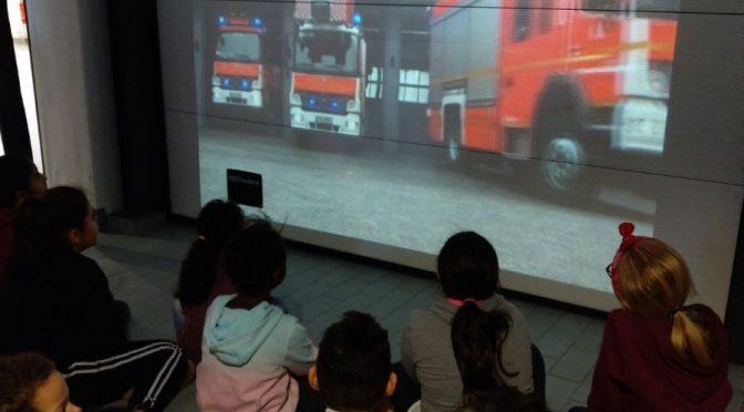 Die 4. Klassen besuchen die Feuerwehr